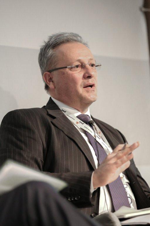 Relazione dibattito il modello pomigliano funziona anche for Citta tedesca nota per le fabbriche di auto